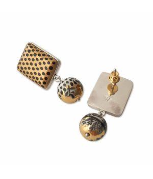 Earrings, fig. 2