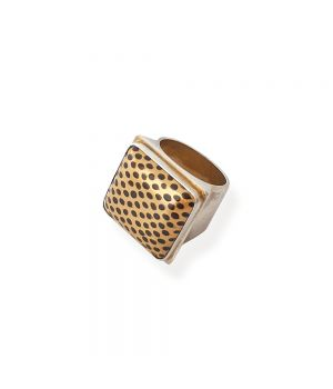 Ring: Limited Edition, fig. 1