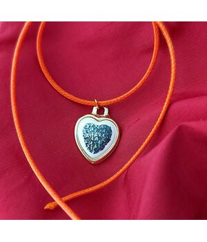 Heart Pendant Trinket, fig. 1