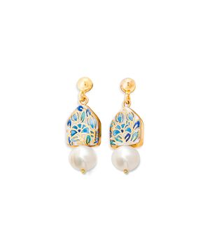 House and Pearl Earrings, fig. 1