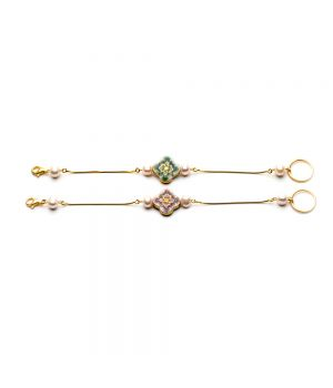 Cross and Pearl Bracelet, fig. 3
