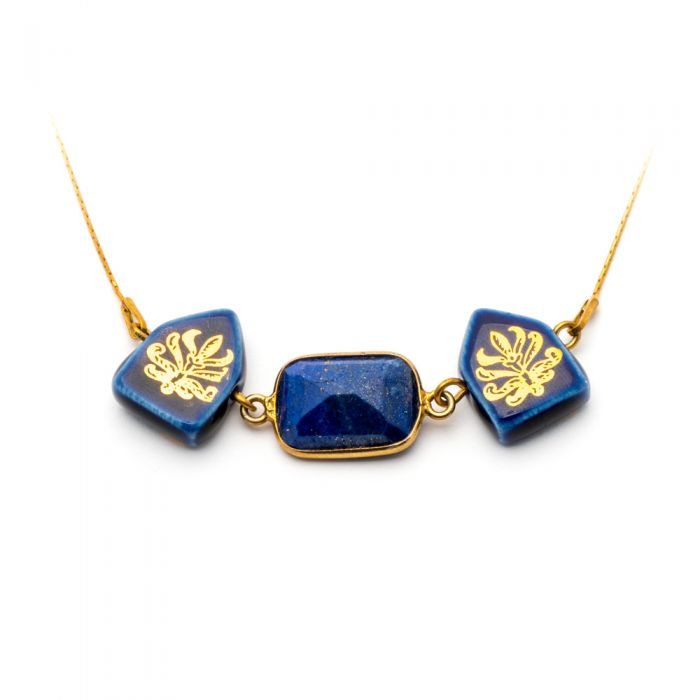 House and Lapis Necklace, fig. 2